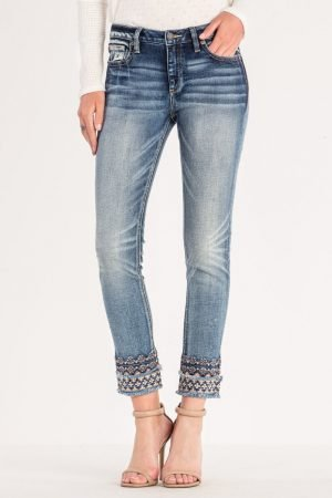 Miss Me Jeans *Embroidered Hem*